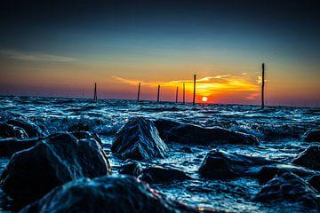 Sonnenaufgang Houtribdijk von Jonathan Tuhumury