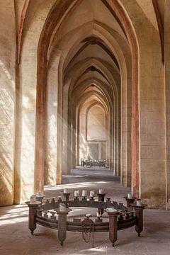 Morgenlicht in der Abteikirche Kloster Eberbach van Christian Müringer