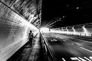 Licht in de tunnel met perspectief van