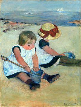 Kinder, die auf dem Strand spielen, Mary Cassatt von Liszt Collection