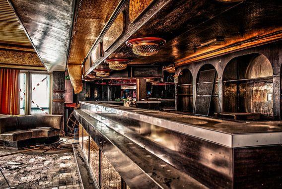 Bar Club R. van Julian Buijzen
