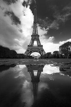Tour Eiffel double sur Maarten Mensink