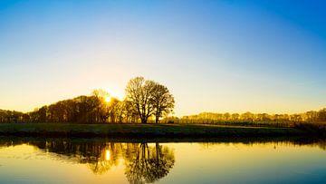 Een ochtend op de rivier de Ems van Günter Albers