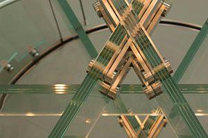 Glazen trap van Sjaak van Etten