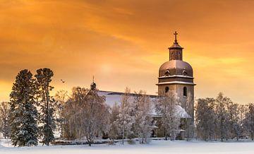 Kirche während des Sonnenuntergangs in Schweden von Hamperium Photography
