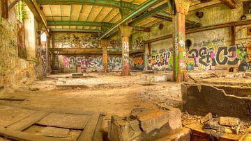 Verlaten fabriekshal von Maurice Hertog