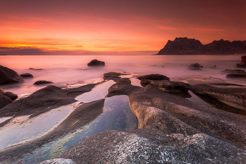 Utakleiv strand op de Lofoten van Dion van den Boom