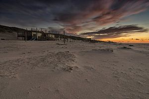 Strandpaviljoen in het laatste daglicht