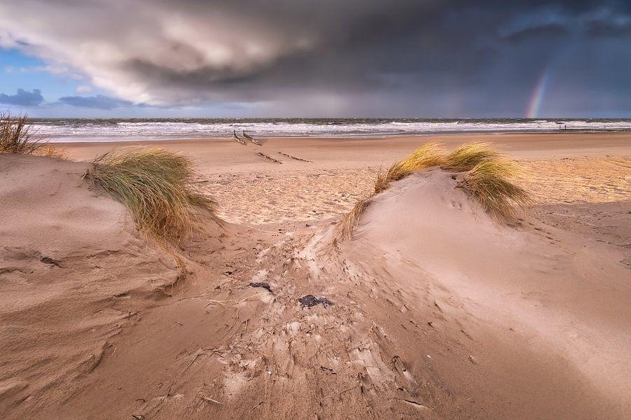 Tempête à la plage de Domburg sur Sander Poppe