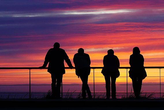staren naar de zonsondergang