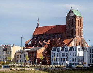 Nikolaikerk in de oude binnenstad van Wismar van Animaflora PicsStock