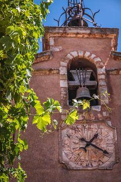 Belfort in Roussillon, Provence van Christian Müringer