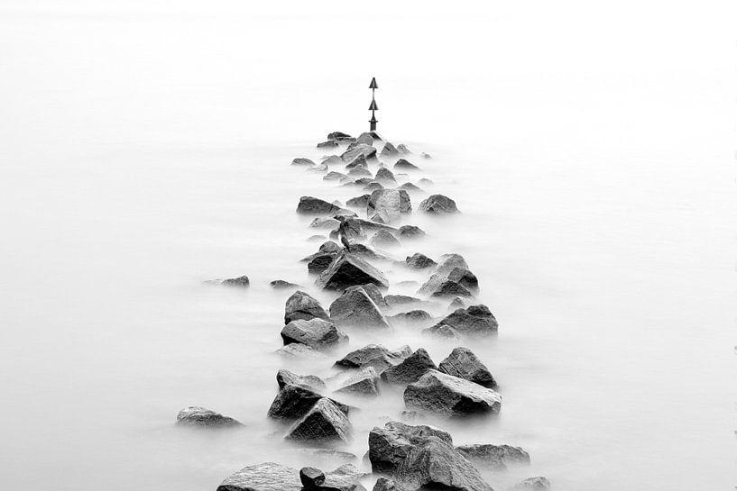 Wellenbrecher in schwarzweiß von Tilo Grellmann | Photography