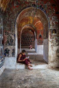 Lerende monniken in klooster in  Nyaung Shwe vlakbij Inle in Myanmar.