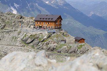 Voormalig Stettiner Hut aan de Meraner Höhenweg van Karina Baumgart