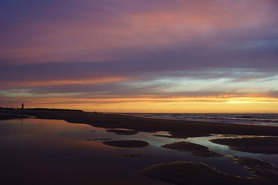 Zonsondergang op het strand van Michel van Kooten