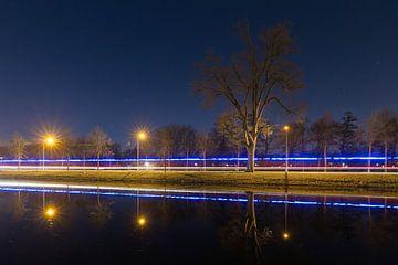 Rijn-Schiekanaal Leiden in de nacht von Dennis van de Water