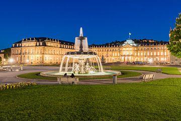 Schlossplatz in Stuttgart am Abend von Werner Dieterich