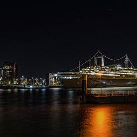 SS Rotterdam at night ... van Hans Brinkel