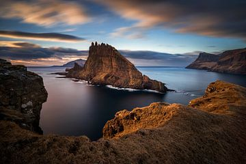 Tindholmur island sunset sur Wojciech Kruczynski