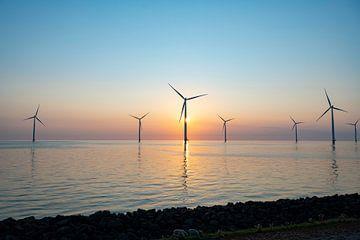 Offshore-Windturbinen produzieren erneuerbare Energie von Sjoerd van der Wal