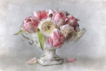 Vintage Flowers #05 van Lizzy Pe