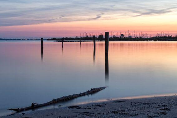 Haven tijdens zonsondergang II van Miranda van Hulst