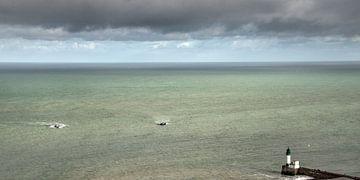 Vissersschepen naderen de pier sur Harrie Muis