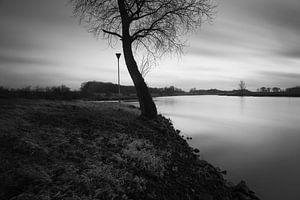 De Ijssel bij Doesburg zwart wit