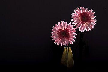 Bloemen op vaas van Ratna Bosch