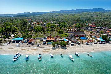 Luftaufnahme des Hafens von Nusa Penida in Indonesien von Nisangha Masselink