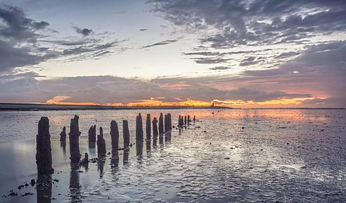 Waddenzee tijdens zonsondergang