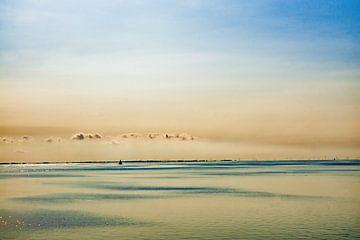 1 bootje op het ijsselmeer van Cor Woudstra