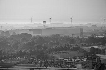 Utrecht Süden und Houten bei Sonnenaufgang in schwarz und weiß von Bart van Lier