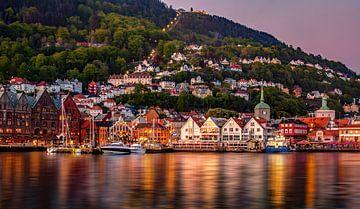 Avond in Bergen, Noorwegen van Adelheid Smitt