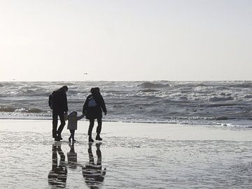 Spaziergang am Nordseestrand  von Ruth Klapproth