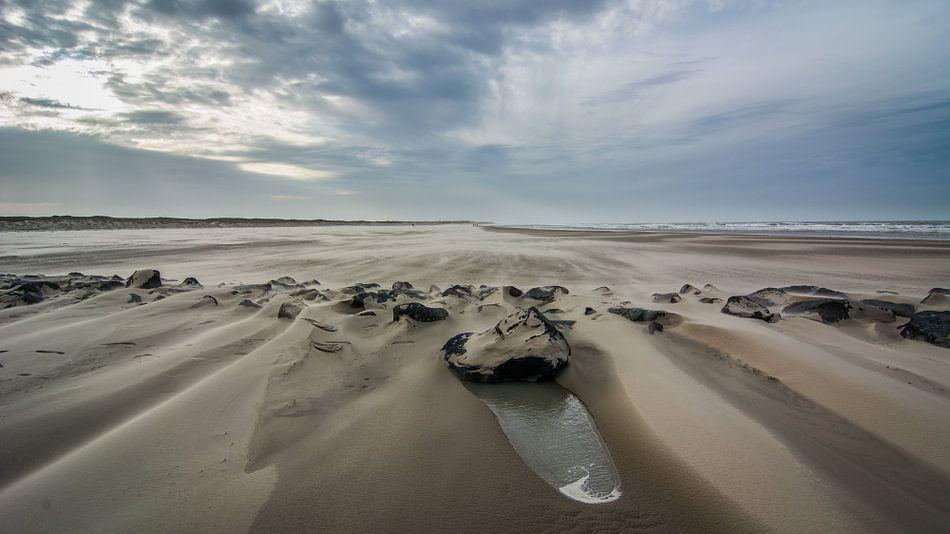 Storm op het strand 05 van Arjen Schippers