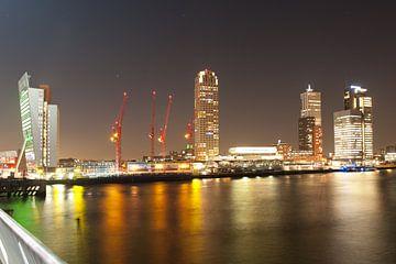 Skyline von Rotterdam in den Abend von Rene du Chatenier