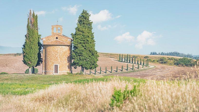 Kerk in Toscane van Manjik Pictures