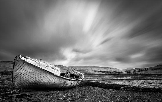 Verlaten schip in Schotland op het eiland Skye