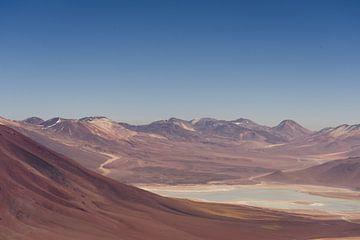 Vulkaanwandeling in Chili met uitzicht op de Laguna Verde aan de voet van Licancabur van Shanti Hesse