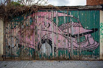 Vervaagde muurschildering Volkswagen Kever van Douwe Beckmann