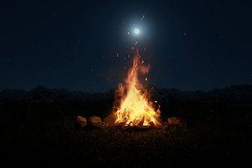 Lagerfeuer im Mondscheinlicht von Besa Art