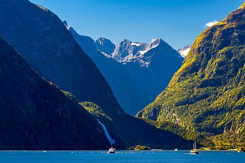 Varen in Milford Sound, Nieuw Zeeland