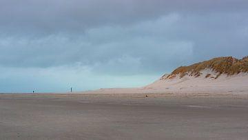 Der Abend fällt über den Strand von Ameland