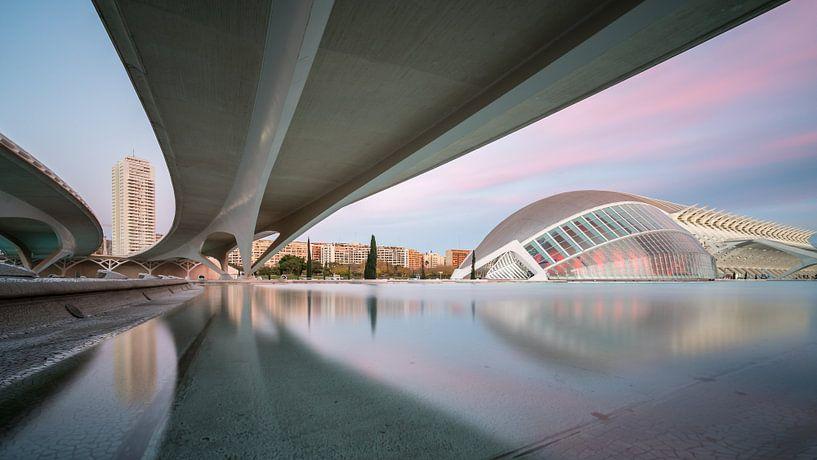 Under the bridge van Scott McQuaide
