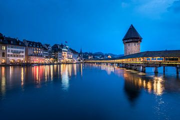 Kapellbrücke bei Nacht van Severin Pomsel