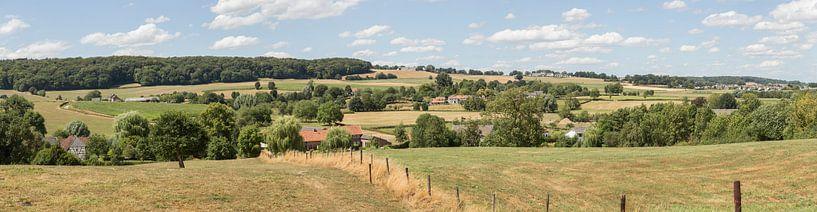 Panorama van de Zuid-Limburgse heuvels bij Epen van John Kreukniet