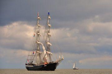 Windjammer auf dem Wattenmeer von Paul van Baardwijk