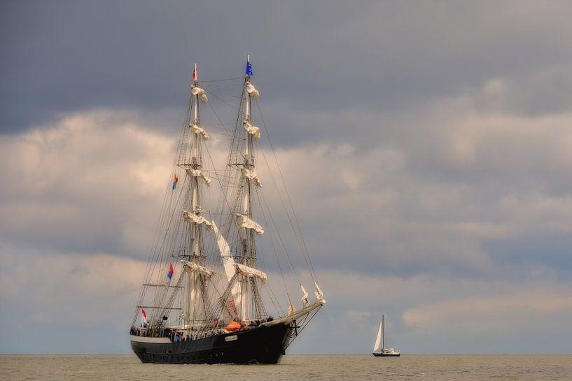 Tallship op de Waddenzee van Paul van Baardwijk